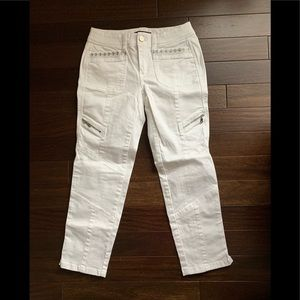 White House Black Market white cropped pants EUC